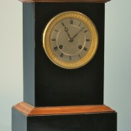 Fench black wooden mantelclock, ca. 1830