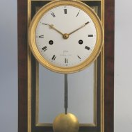 French mahogany glass-cased clock, ca. 1800, signed: 'Galle, rue Vivienne a Paris'