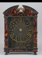 Pieter Visbach Hague Clock with brass dial plate (37,4 x 20,5 cm), covered with black velvet and turning on hinges, gilt brass skeleton chapter ring, with the even minutes numbered (2 x 60 minutes), with the minute hands revolving once in two hours. Gilt brass hands and gilt brass skeleton signature, signed: Pieter Visbach Haghe.